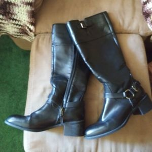 Another Price drop! Chaps black size 9.5 boots